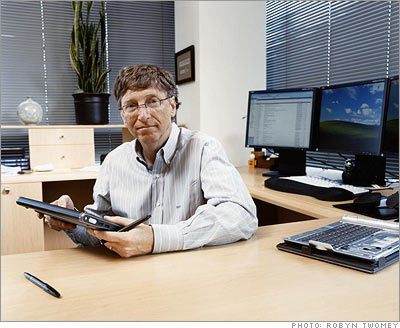 Bill Gates uses three monitors on one computer